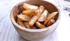 baked fried crunchy chips
