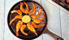 hot butterflied prawns