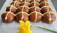 choc cross buns