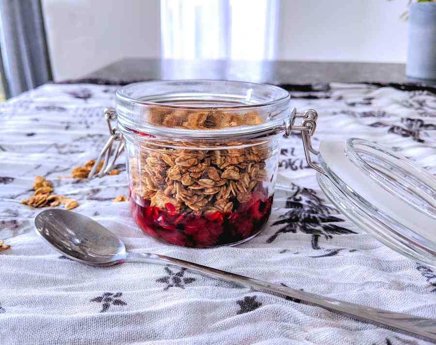 toasted oats with fruit compote