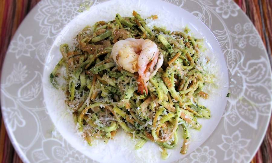 Linguine with smoked salmon and pesto