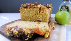 pistachio and lime loaf cake