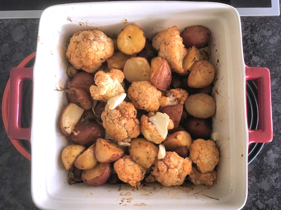 baking cauliflower with potatoes and sausage
