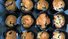smashed blueberry cupcakes