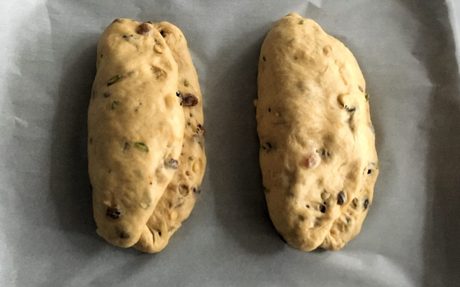 how to shape stollen