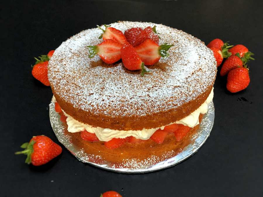 Victoria sponge with strawberries and cream