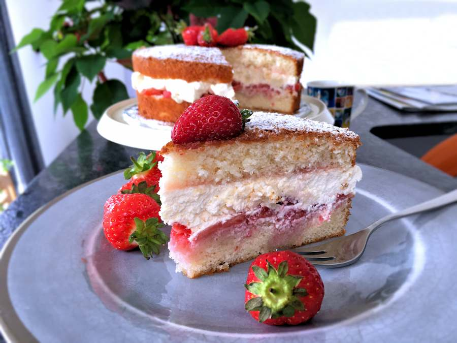 Strawberry cream Victoria sponge