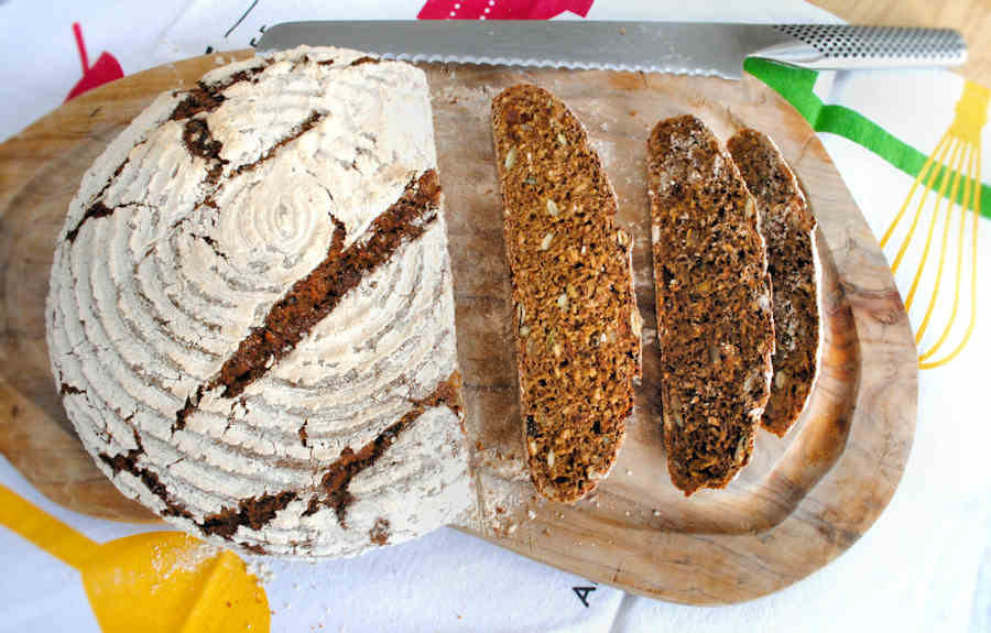 Rye bread with seeds and sultanas